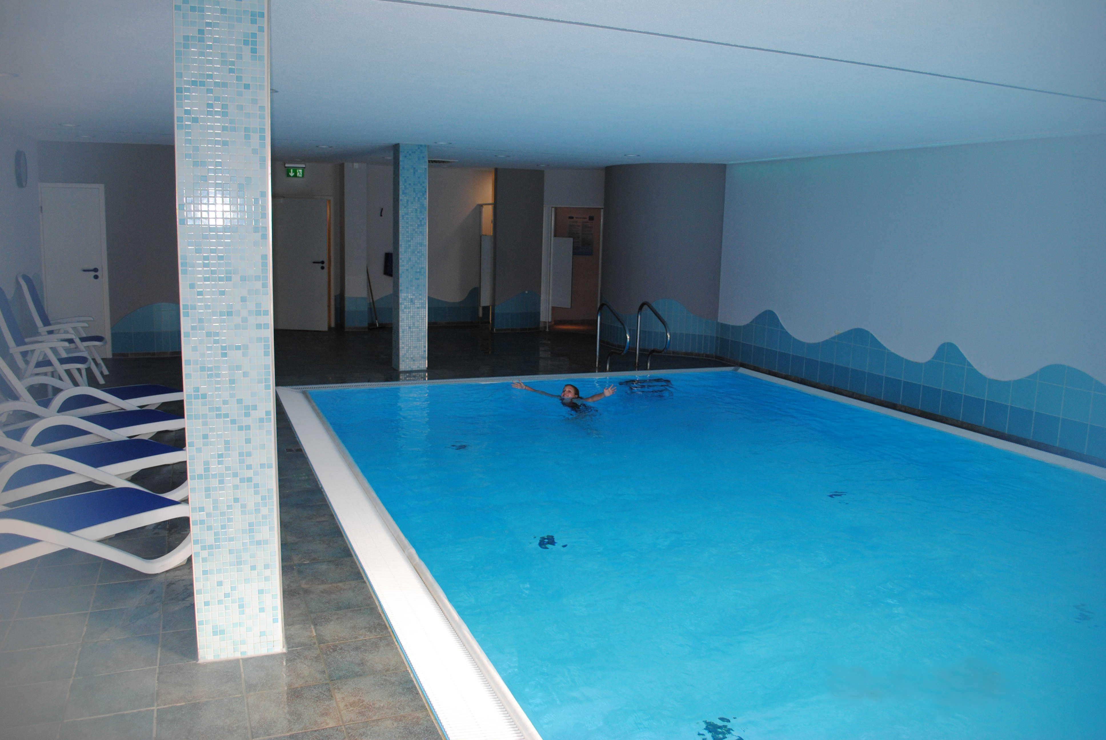 Das frisch renovierte Schwimbad.