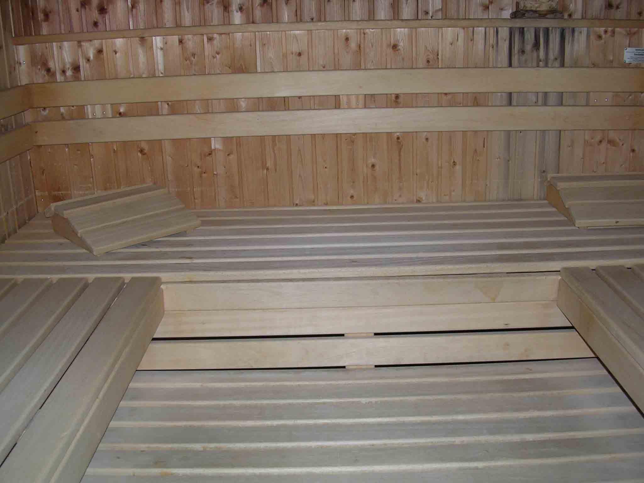 Im Freizeitbereich befindet sich neben dem Schwimmbad die Sauna